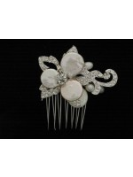 Comb with Flower and Coin Pearl Middle